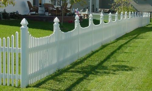 Picket Vinyl Fence 1