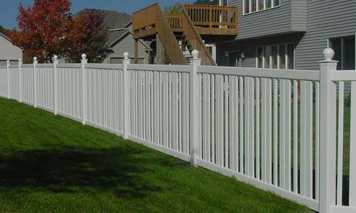 Picket Vinyl Fence 3