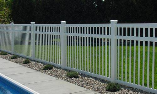Picket Vinyl Fence 4