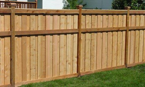 Wood fences vinyl fencing mn for Wood privacy fence ideas